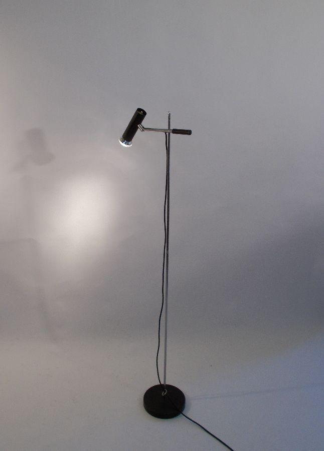 Minimalistic floorlamp