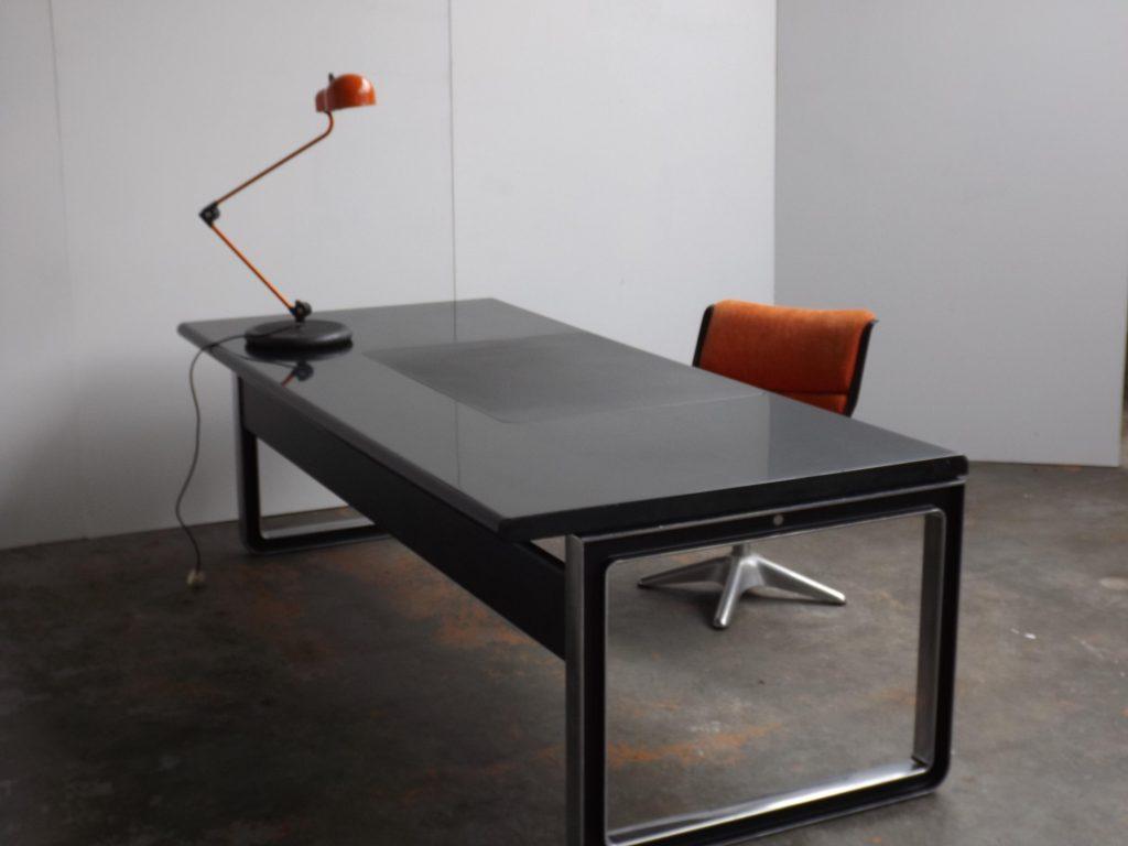 Tecno executive desk