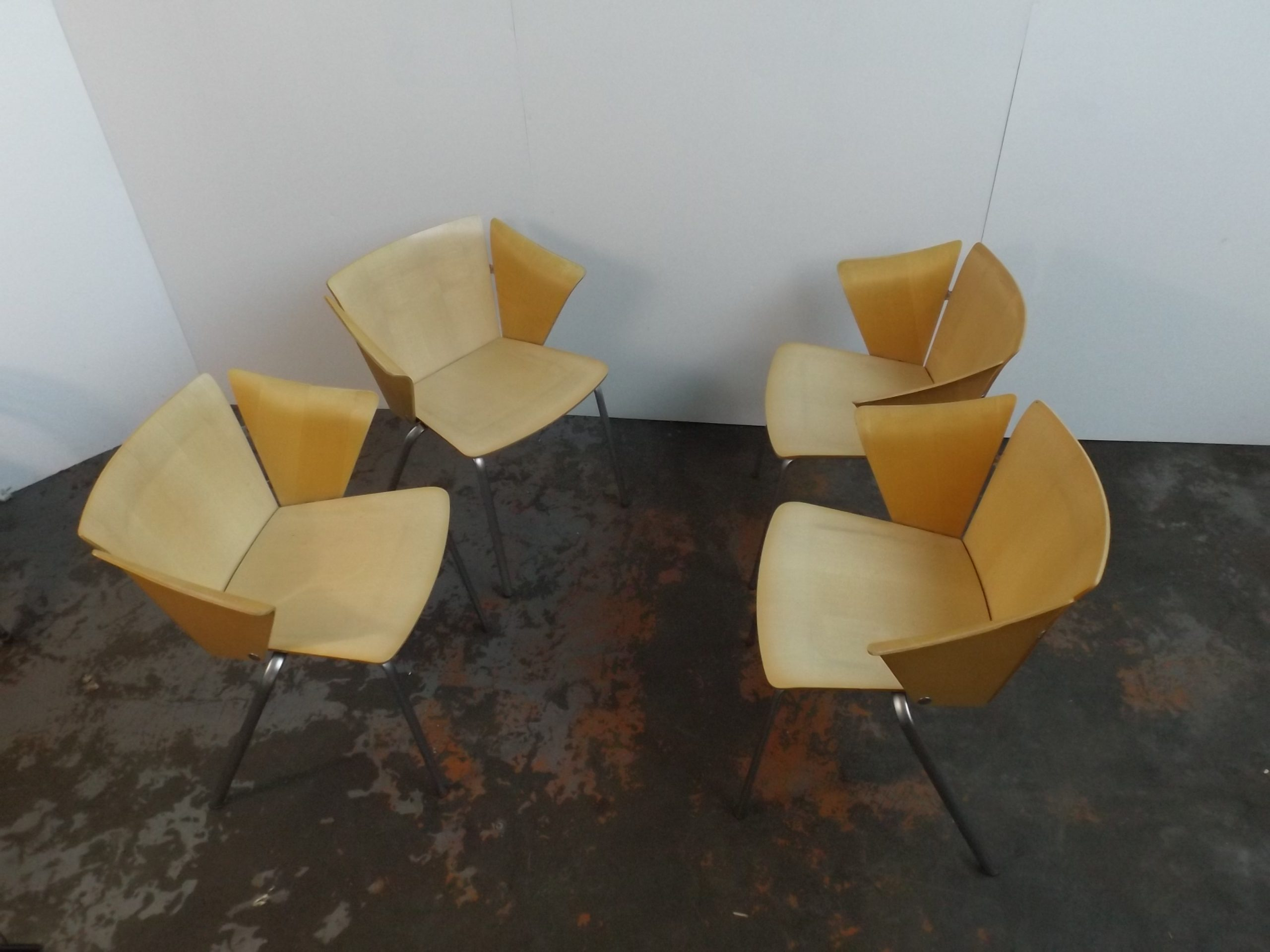 Set of 4 dinner Chairs Vico Magistretti 02