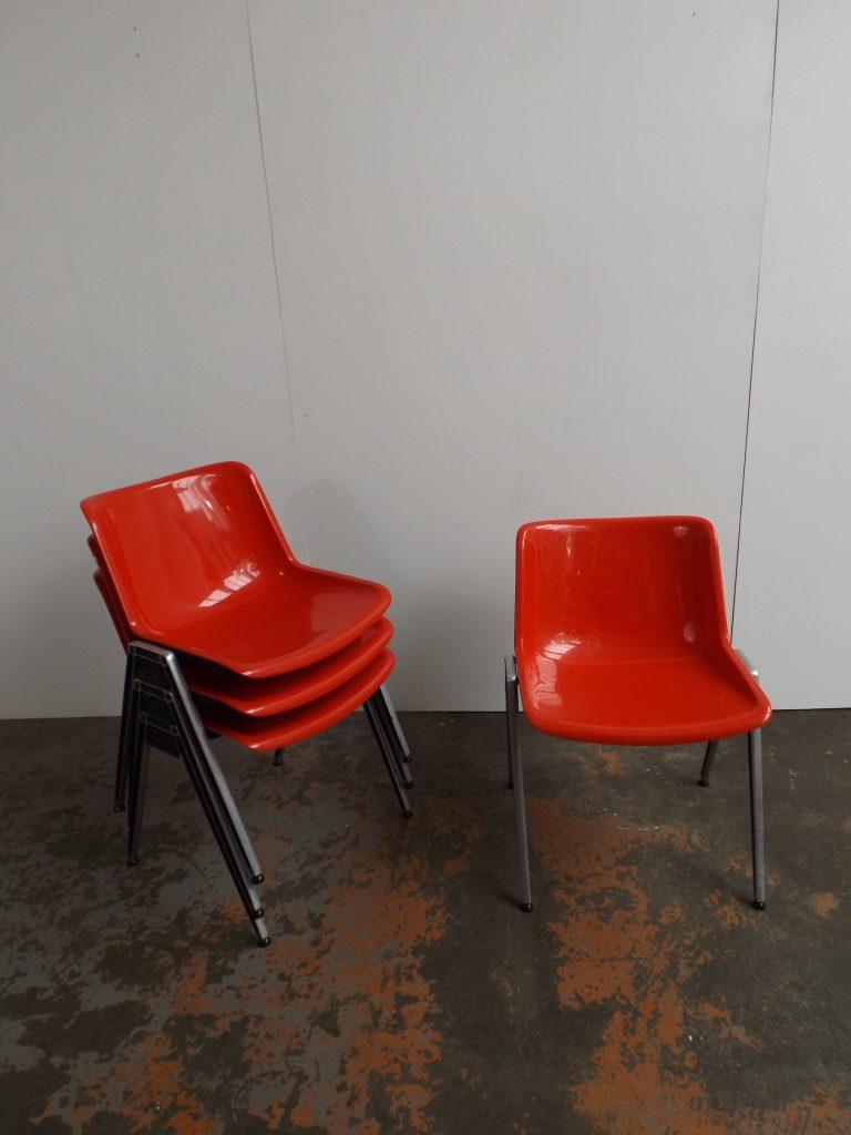 Tecno Modus stacking chair