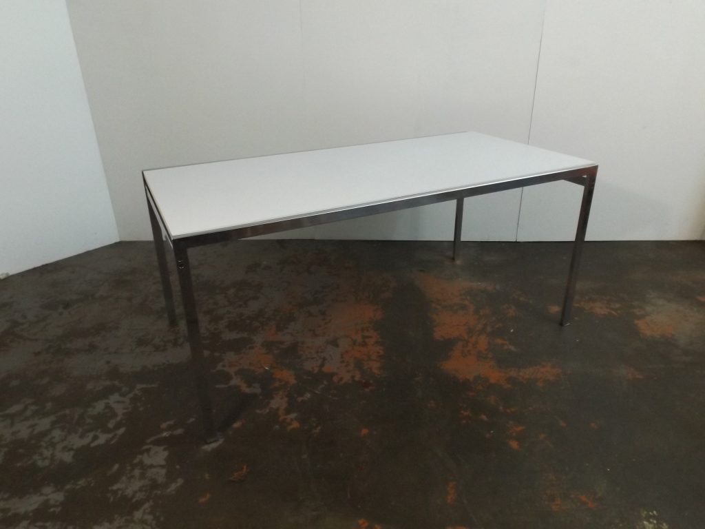Pastoe TU 30  table