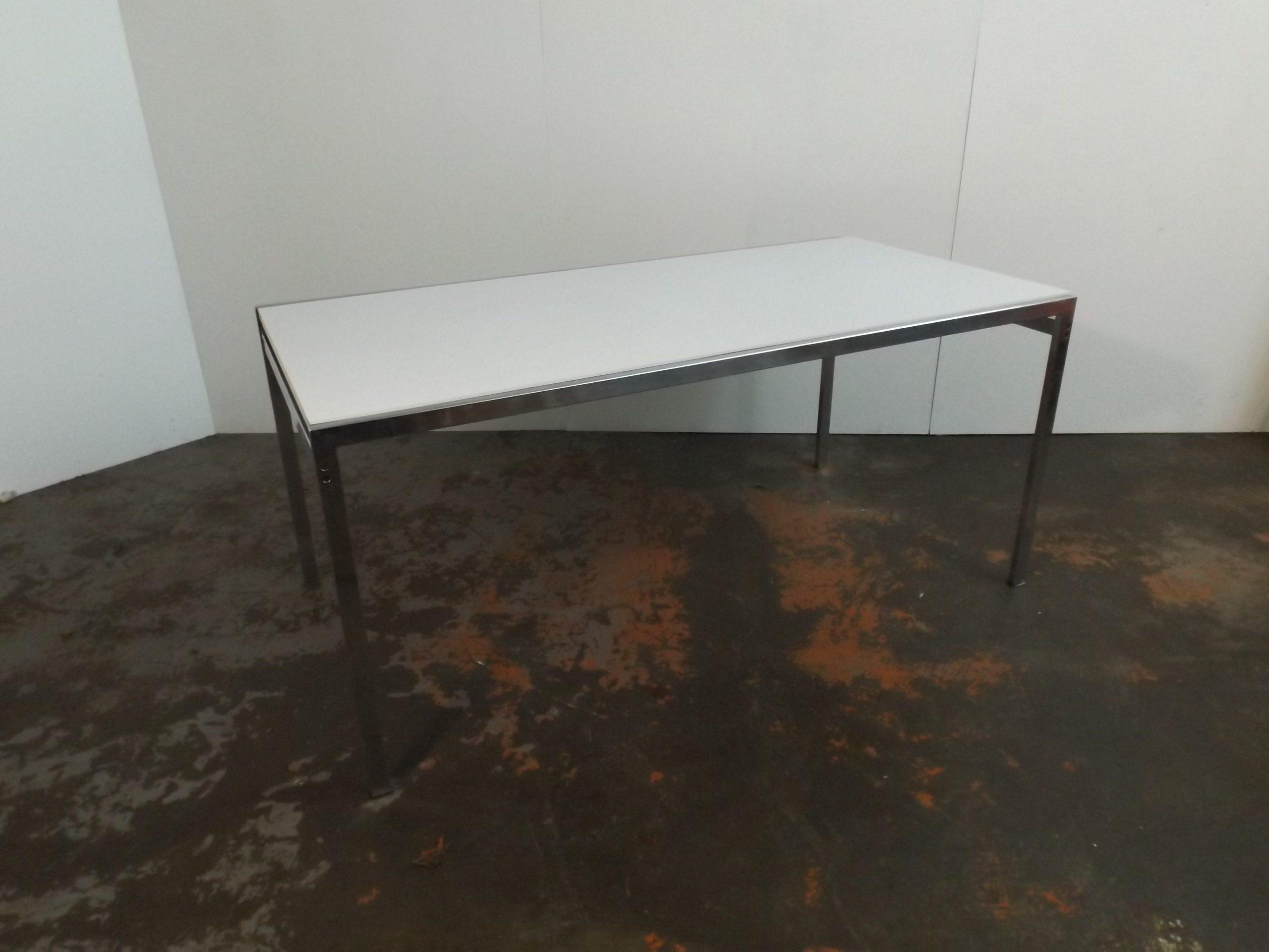 Pastoe TU 30  table