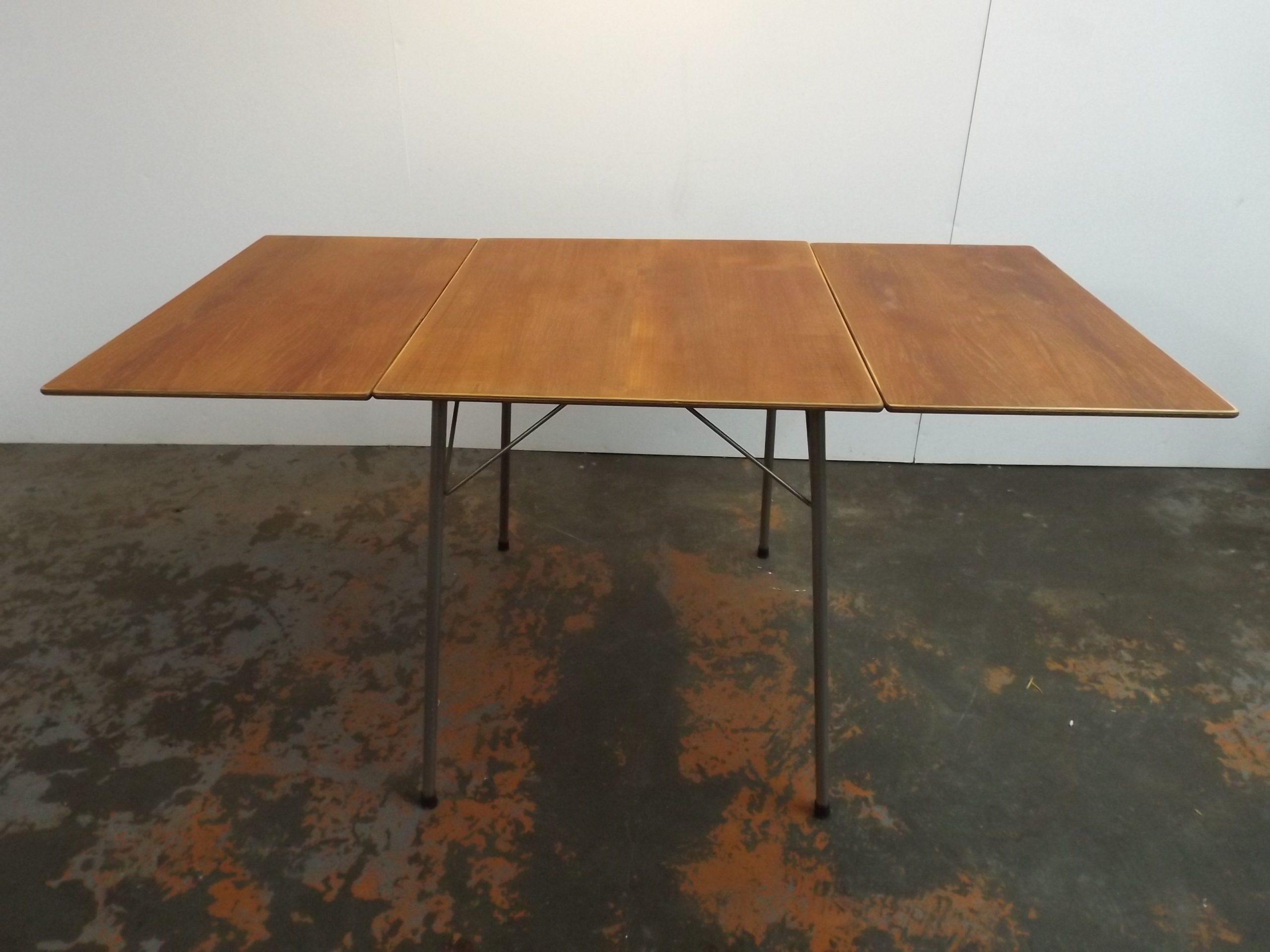 Arne Jacobsen folding table FH 3601