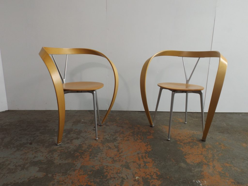 2 Revers Chairs