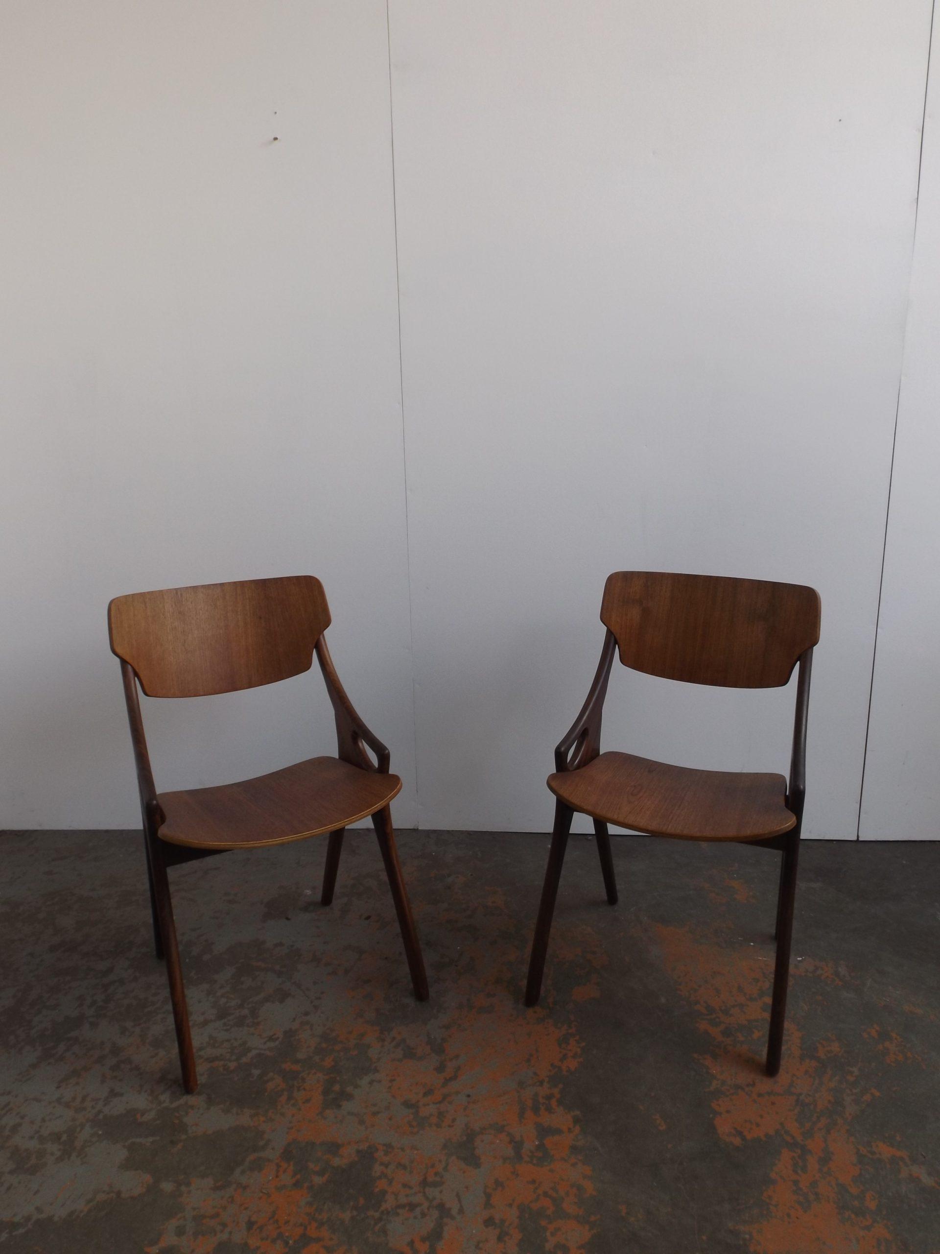 2 Hovmand Olsen Diner chairs
